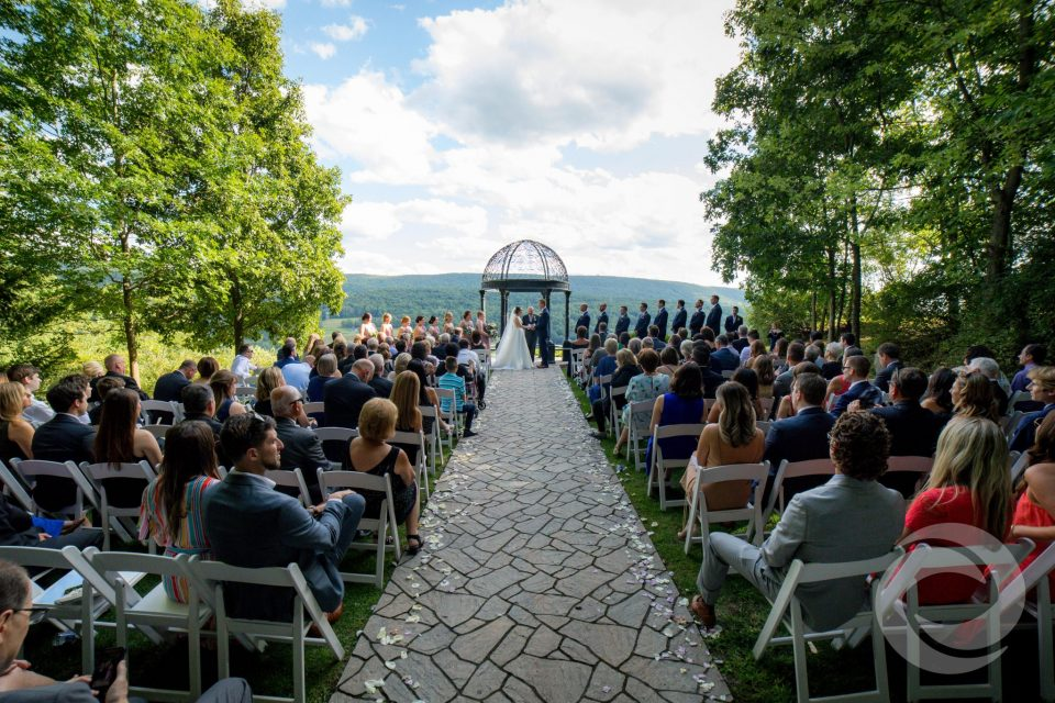 wedding ceremony stroudsmoor county inn